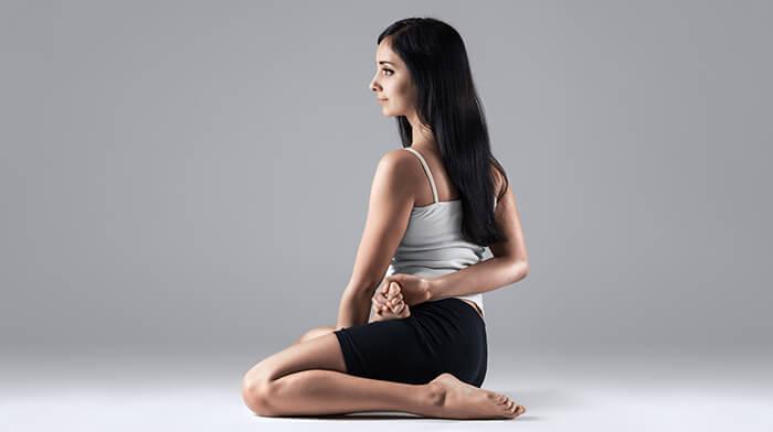 7 asanas del yoga Baba Ramdev eficaz para bajar de peso