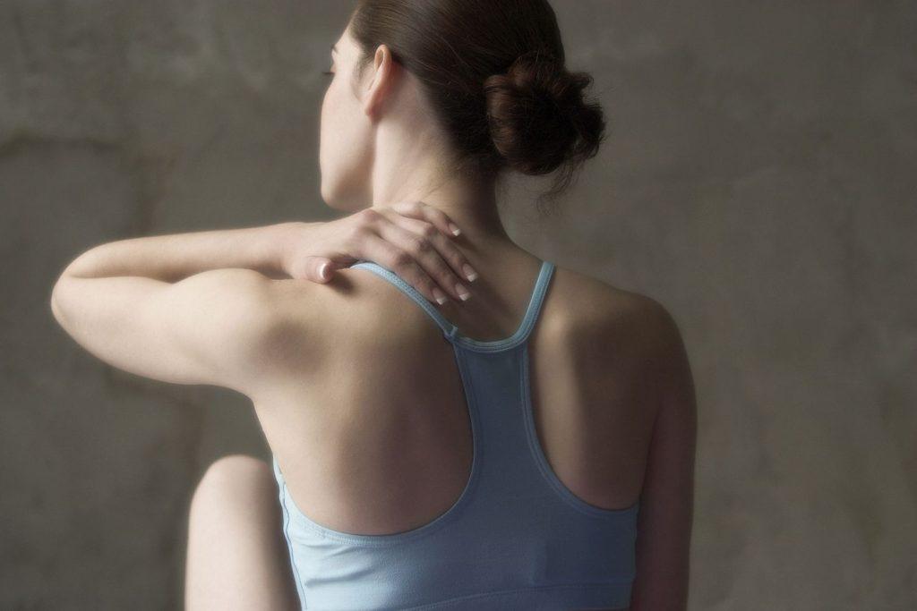 7 Schritte zum Verhindern von Verletzungen bei Yoga-Klasse