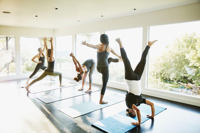 У якому порядку ви повинні зробити йога Пози?